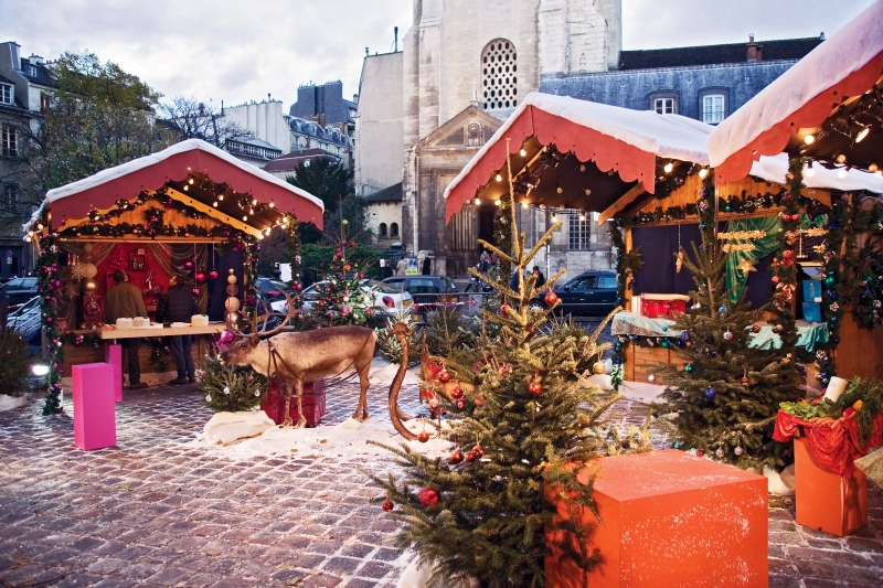 guided walking gourmet tour of christmas markets in paris. Black Bedroom Furniture Sets. Home Design Ideas