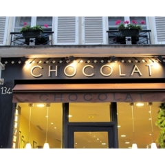 Chocolate Walking Tour in Paris